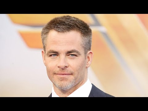 Chris Pine Calls Out 'Double Standards' When It Comes to Full-Frontal Nudity in Film