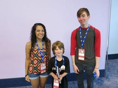 Vidcon Day 2 2014- EDU panel and Lonnie and Darian - Day 379 | ActOutGames