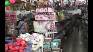 Comerciantes de la conurbación  prevén que precios de artículos navideños se incrementen en un 40%