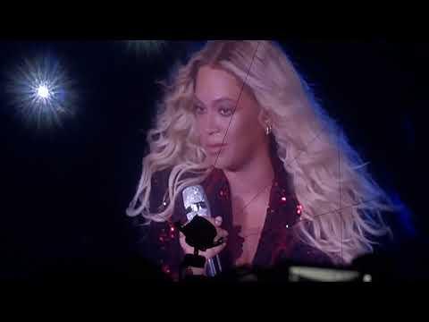 Beyoncé - Resentment (On The Run Tour II live in Paris, France)