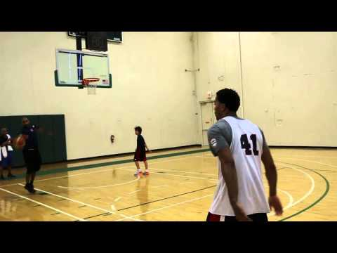 Derrick Rose with USA National Team in Chicago: shooting exhibition