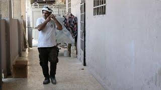 ألم الحصار.. عنصر من الدفاع المدني عايشه مرتين!