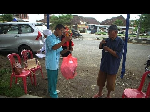 Indonesia's poor swap garbage for health care