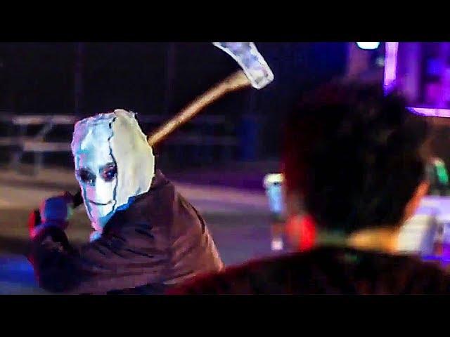 Hache VS Couteau - STRANGERS 2 : PREY AT NIGHT Extrait (2018)