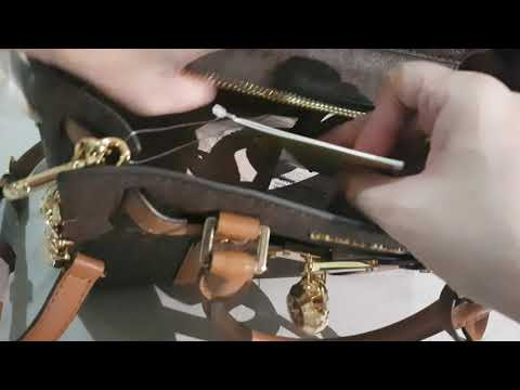 AUTHENTIC New Michael Kors Nouveau Hamilton Bag