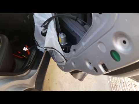 Обшивка задней двери Hyundai Creta