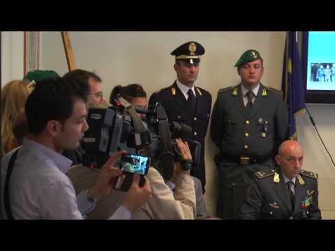 La Guardia dI Finanza recupera a Napoli due quadri di Van Gogh