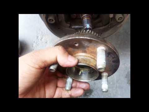 Cambio de rodamientos traseros del Chevrolet AVEO