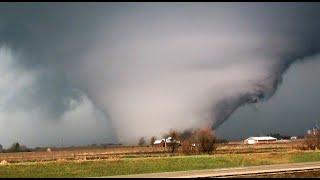 intense wedge tornado rochelle il 4 9 15
