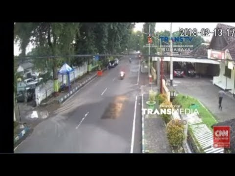 Detik detik Pelaku Penyerangan Mapolres Probolinggo Kota Ditangkap Terekam CCTV Mp3