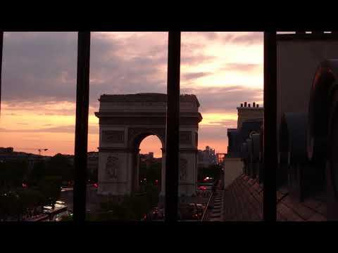 باريس  قوس النصر Paris Arc de Triomphe and Avenue Champs-Elysées