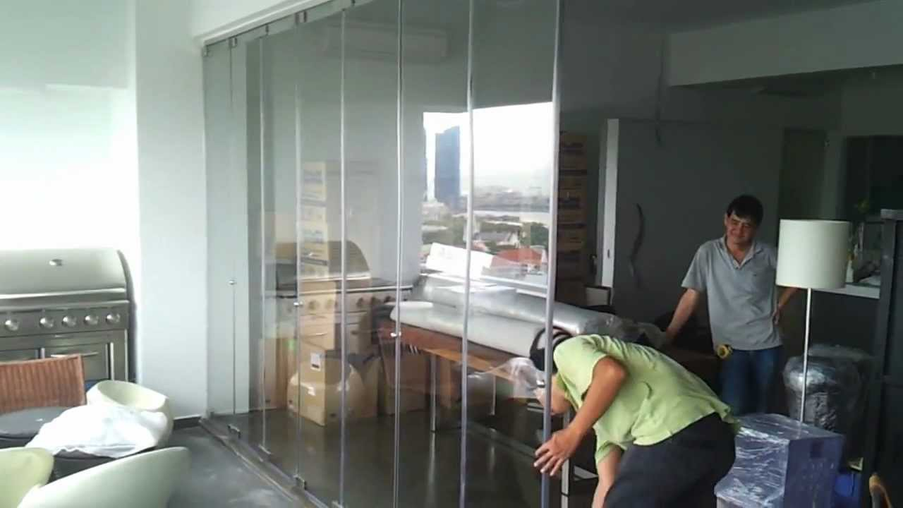 Frameless door open demostration video in singapore high for Balcony ideas singapore