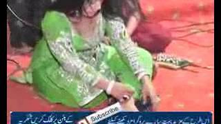 Repeat youtube video PAKISTANI HOT ACTRESS SHEEZA HOT STAGE MUJRA 2016