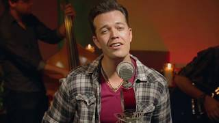 Lucas Hoge - Ho Ho Home For The Holidays (Live in Studio)