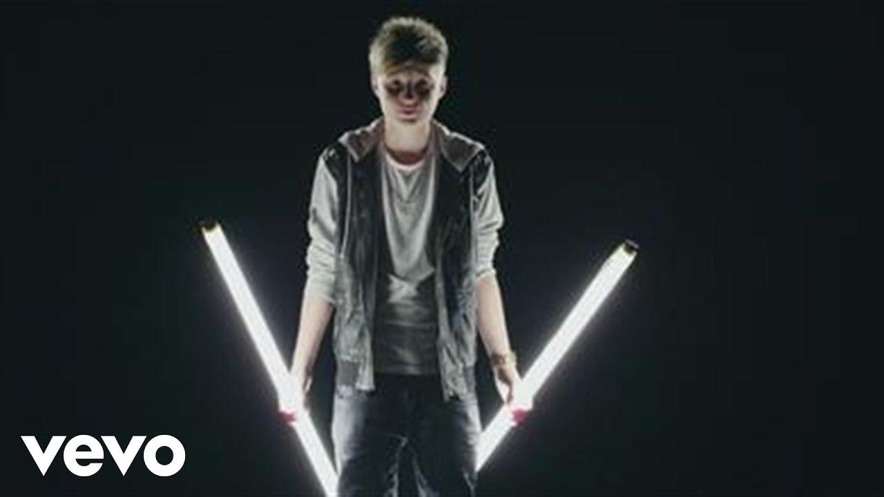 Isac Elliot - Dream Big (Official Music Video)