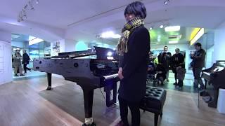 JR浜松駅に「春よ来い!」弾き逃げピアノ thumbnail