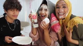Video NO HANDS, BLIND FOLD DOUGHNUT CHALLENGE - FT. HARRIS J download MP3, 3GP, MP4, WEBM, AVI, FLV Desember 2017