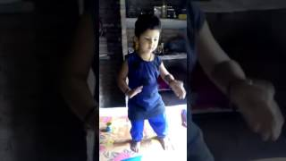 Baby is dancing at bhojpuri song