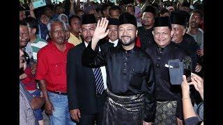 Mukhriz sworn in as Kedah Menteri Besar