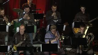 03 NIKDY V ŽIVOTĚ (Strom stínu a Bucinatores orchestra)