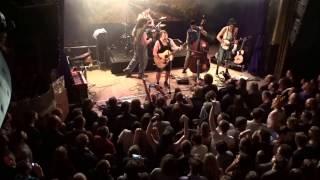Thunderstruck by Steve'n'Seagulls (LIVE) Paris