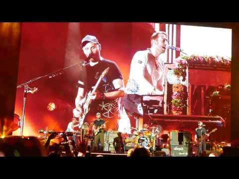 Coldplay Live in Manila - Fix You