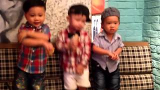 rio va ban   3 chang linh ngu lam nhay ngua gangnam style khong co nhac