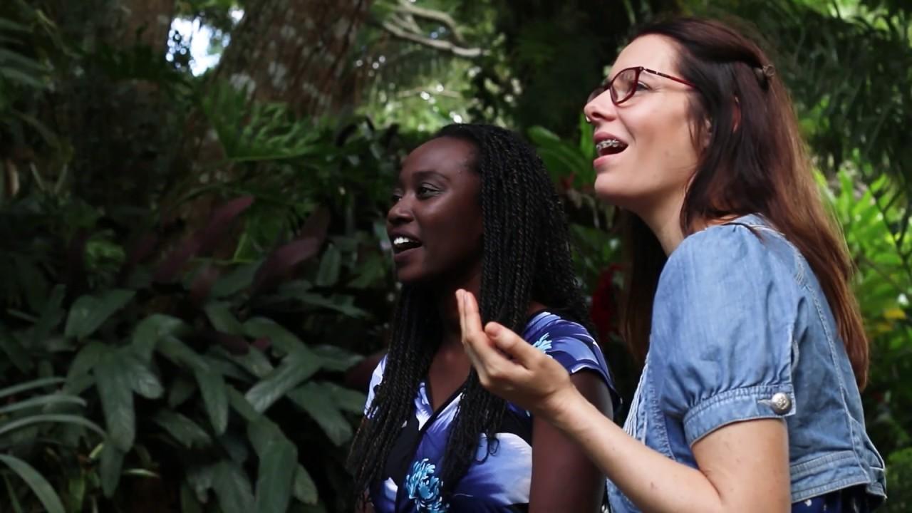 Profundo es el amor de Dios | Vivien y Kyla
