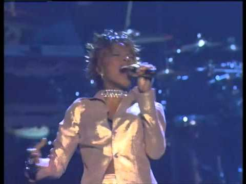 "Mary J Blige ""No More Drama"" (Live)"