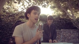 She Looks So Perfect - 5SOS - Max & Kurt Schneider Cover thumbnail