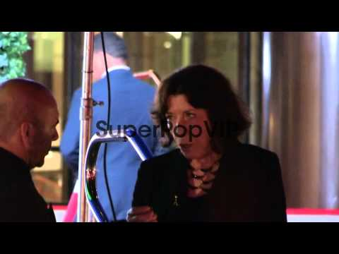 Lily Tomlin departs Pacific Design Center in West Hollywo...