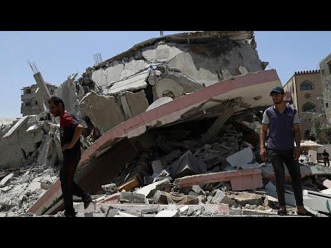 مقتل 50 فلسطينيا على الأقل بينهم 14 طفلا بقصف إسرائيلي على غزة وسقوط أكثر من ألف صاروخ على إسرائي…  - نشر قبل 36 دقيقة