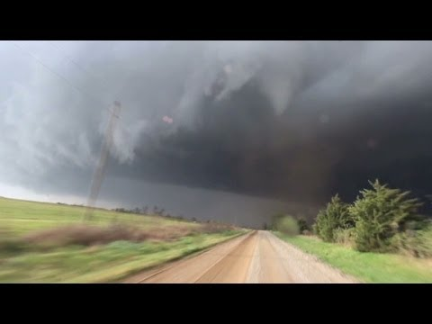 Deadly tornadoes storm through central US