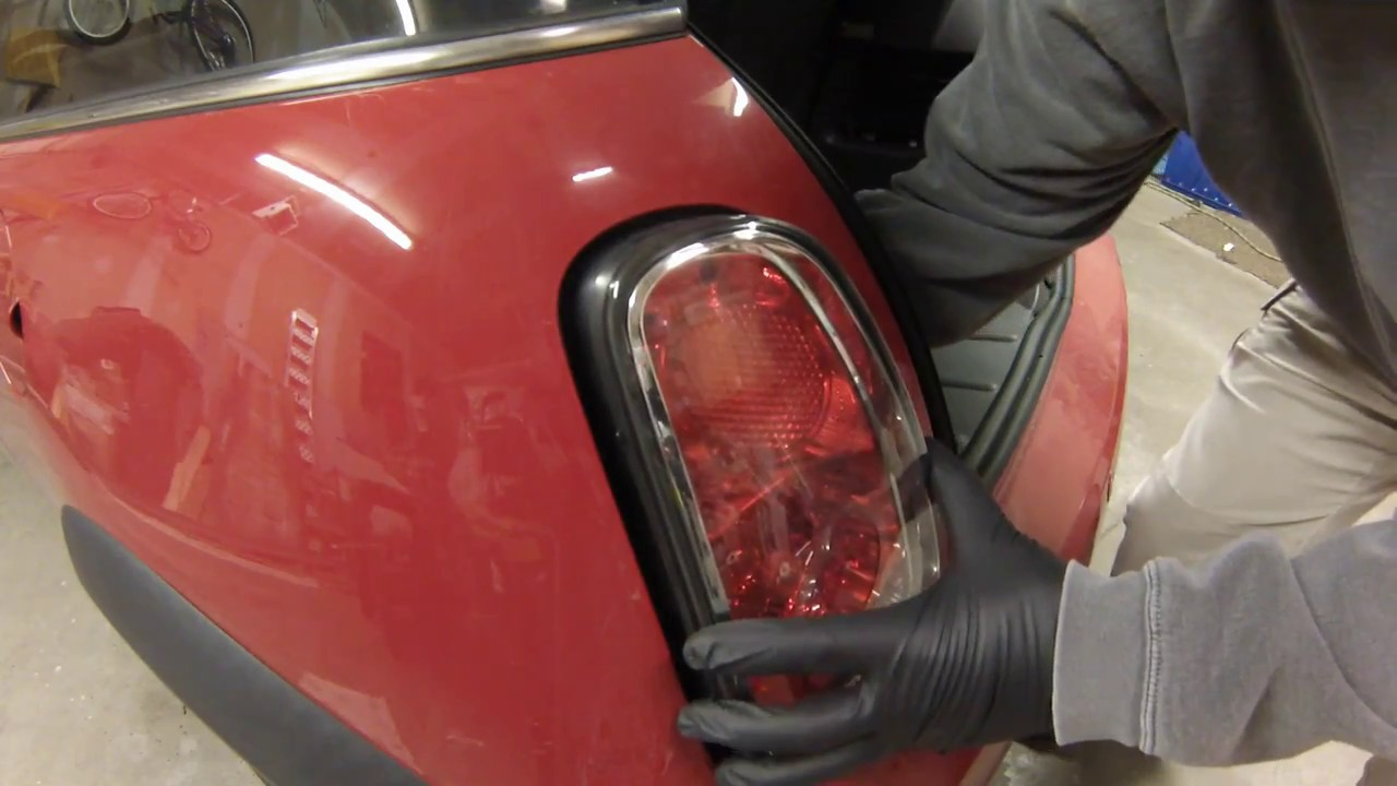 Brake Light Bulb Replacement 2006 Mini Cooper