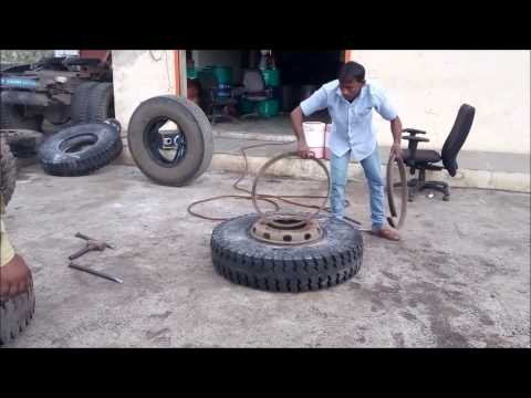 Truck Tyre Changing Manual (in India)