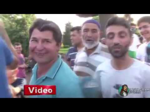 Adana'da Sıcaktan Bunalan İnsanlara Kar Satışı