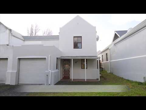 Two Bedroom house for sale in Cloetesville