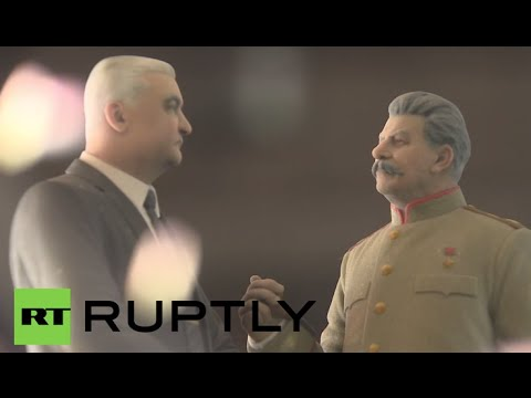 Russia: See Putin, Stalin & STUNNING women immortalised at Moscow's 3D Printer Expo