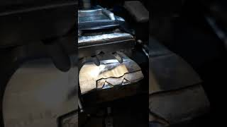 Полировка прессо-формы. Зачистка детали от газа.