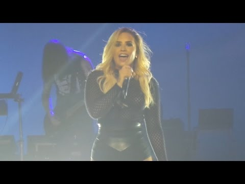 """Demi Lovato """"LIONHEART"""" - Guadalajara Mexico (October 18th, 2016)"""