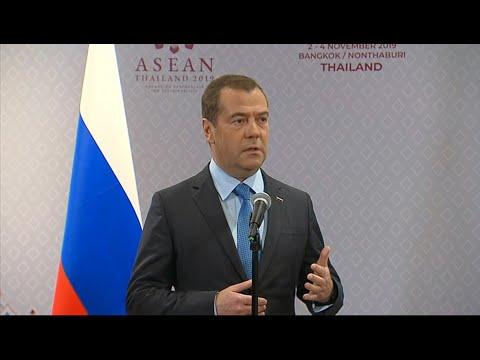 Медведев ответил на