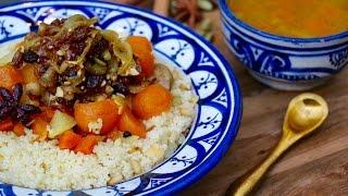 Couscous rapide sucré salé au poulet et oignons caramélisés (tfaya)