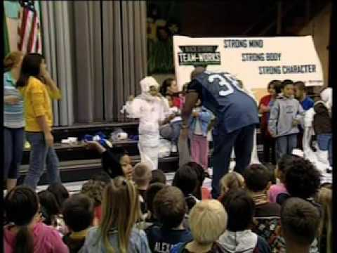 Mack Strong at Tulalip Elementary PKG