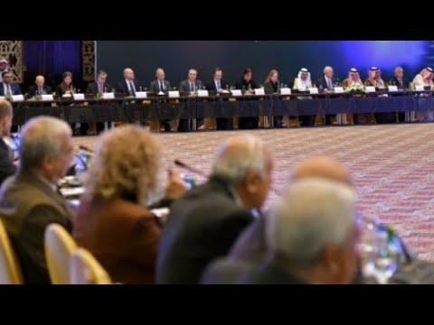 جنيف: المعارضة السورية توحد صفوفها وتأكد على ضرورة رحيل الأسد