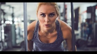 Lindsey Vonn + TheraBand -