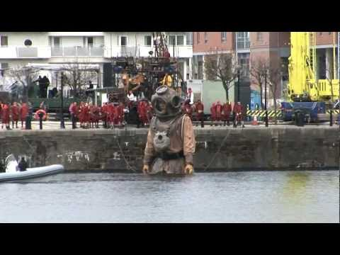 Royal de Luxe.Sea Odyssey Giants Liverpool The Diver from the Titanic..