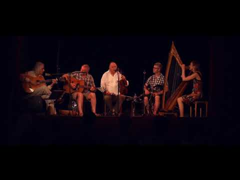 IRISH MUSIC fiddle ireland scotland pub-tavern-music-guitar-bagpipes harp drums violin