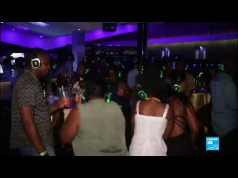 Ouganda : à Kampala, le boom des discothèques silencieuses