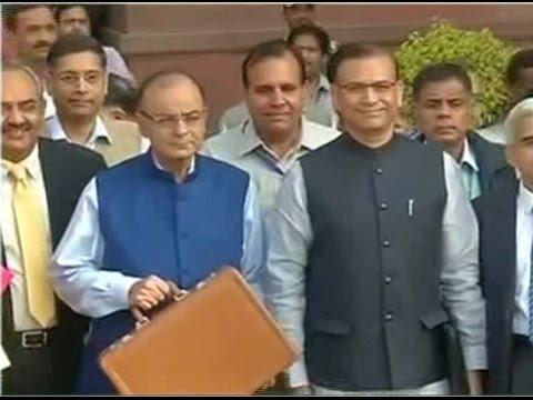 Finance Minister presents Union Budget 2015