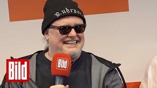 Markus Krebs sorgt beim BILD-Besuch für große Lacher - Vom Hartz-IV-Empfänger zum Comedy-Star